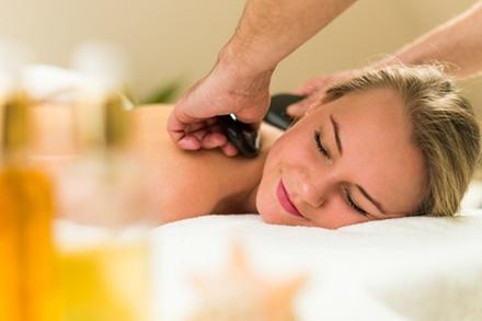 Spa Tageseintritt inkl. Massage Treatment nach Wahl für 1 oder 2 Personen im Bülow Palais (bis zu 34% sparen*)