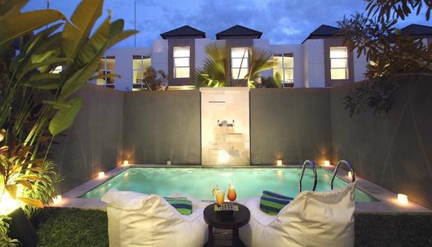 Bali: 4* Private Pool + Flights 5