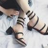 Sandales à talons lanière spirale