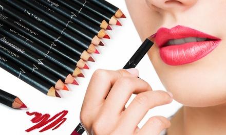 12 crayons à lèvres finition matte, longue tenue et résistants à l'eau