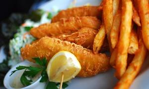 Körri Speisekontor: Fish & Chips mit frischem Seelachfilet in Eihülle und hausgemachter Remoulade für 2 Personen bei KÖRRI Speisekontor