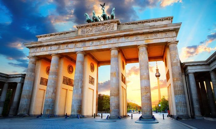Betterbooqr - Berlin: Berlin-Mitte: 2-4 Nights for Two, Breakfast and One Two-Course Menu in Rienäcker Restaurant at 4* Golden Tulip Berlin