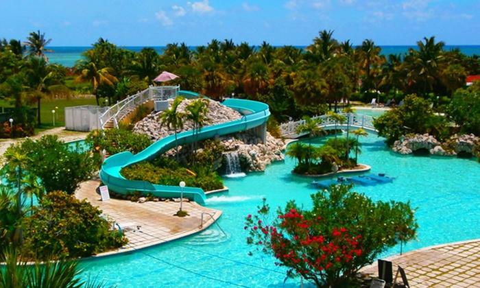 Vacation at Flamingo Bay Hotel w/ Nonstop Air from Vacation Express
