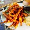 Vegan-Bio-Burger-Menü mit Pommes