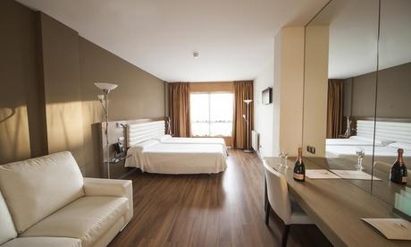 Laguna del Duero: estancia para 2 personas con desayuno y late check-out en Hotel Duero