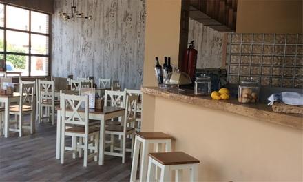 Menú para 2 o 4 con entrante, principal, postre y bebida en Street Food Alicante (hasta 53% de descuento)