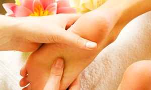 Massage bei Nur: 1x oder 2x 60 Minuten Hand- und Fußreflexzonenmassage bei Massage bei Nur (bis zu 53% sparen*)