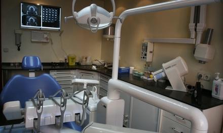 Limpieza bucal con revisión y diagnóstico con opción a 1 o 2 sesiones de blanqueamiento led desde 12,95 € en Basanta