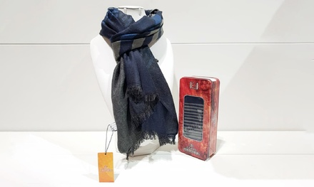 1 o 2 sciarpe con scatola di metallo disponibili in vari colori
