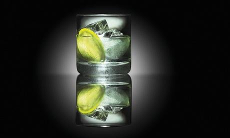Gran Vía: 2 o 4 gin tonics o vodka tonics con maridaje desde 9,90 €, premiums desde 12,90 € o 12 copas desde 49,90 €