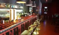 Menú para 2 o 4 con entrante, hamburguesa, postre y bebida desde 14,95 € en Cervecería & Didi