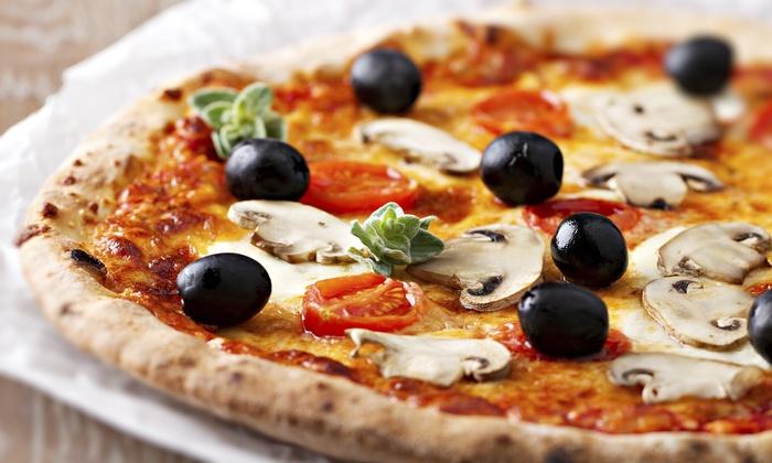 Fino a 6 pizze, a scelta tra le classiche, con servizio al tavolo al Route 525 by Bella Napoli (sconto fino a 63%)