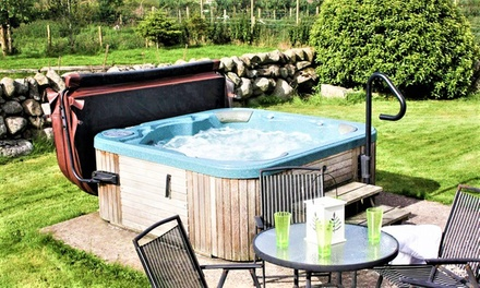 Dumfriesshire: 1 to 4Night Cottage Stay for Four, Six or Ten People at Meiklebob Holiday