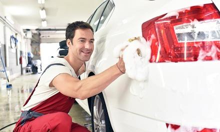 Lavaggio auto, tappezzeria e interni