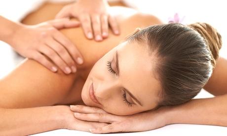 Ceretta total body, trattamento viso e massaggio Hot Stone da 50 minuti al centro Estetica Feltre 30 (sconto fino a 78%)