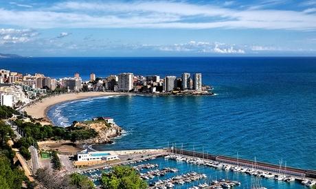 Oropesa del Mar: hasta 6 noches en estudio o apartamento para 4 en primera línea de playa en Apartamentos Bernat