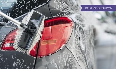 Pkw-Innen- und Außenpflege inkl. Nano-Scheibenversiegelung oder Lackversiegelung bei Autofox (bis zu 56% sparen*)