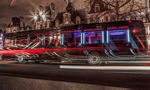 Soirée Bus: Soirée city tour d'1h dans Paris avec DJ & coupe de champagne pour jusqu'à 15 personnes dès 69€ à bord du Soirée Bus