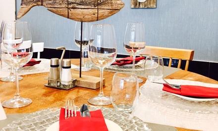 """Menú """"Luxury"""" para 2 o 4 con aperitivo, entrante, principal, postre y botella de vino desde 46,95 € en Ocean"""