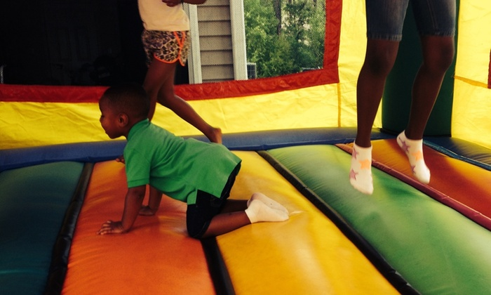 Triple D's Bounce & Play - Raleigh / Durham: Four-Hour Bounce-House Rental from Triple D's Bounce & Play (45% Off)