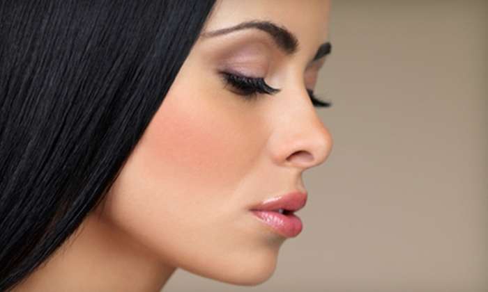 Chic Lash Boutique - Neartown/ Montrose: $15 for Three Eyebrow-Threading Treatments at Chic Lash Boutique ($45 Value)