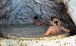 ALPINE MUGON: Spa di coppia con uno o 2 trattamenti o massaggi fino a 50 minuti da Alpine Mugon (sconto fino a 63%)