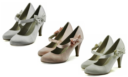 Court Shoes with Ribbon and Pointed Toe