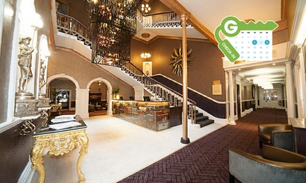 Chester: Double or Twin Room for Two with Breakfast, Dinner and Late CheckOut at 4* Hallmark Hotel Chester, The Queen