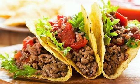 Menú para llevar con quesadilla, tacos, ración de nachos con queso y bebida desde 14,90 € en Cric & Croc Taquería
