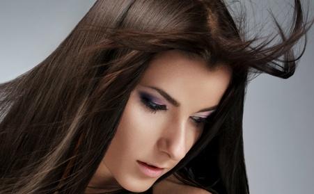 Tratamiento alisador a elegir con lavado, masaje craneal, corte y peinado desde 39,99 € en ArtSalon de Belleza Lotus