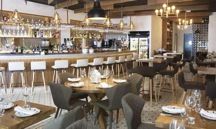 Maridaje de vinos para 2 o 4 personas con degustación de entrantes y principales con café desde 49,90 € en Tabaska