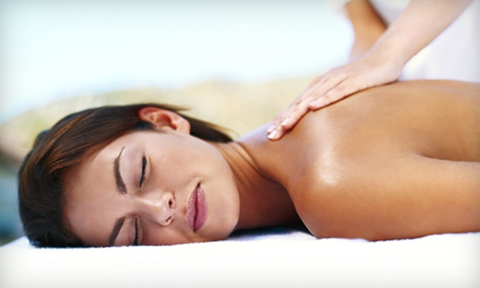 In The Nails - In The Nails: 55- or 90-Minute Shiatsu Massage or 55-Minute Deep-Tissue Massage at In The Nails (Half Off)