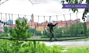 Park Linowy Warszawa: Zabawa na wysokości: dowolna liczba przejść na 3 trasach od 49,99 zł w Parku Linowym Warszawa
