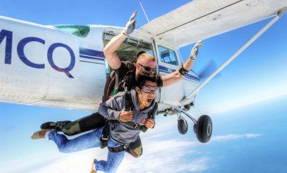 saut en parachute limoges remise jusqu 39 70 avec les offres de parachutisme limoges. Black Bedroom Furniture Sets. Home Design Ideas