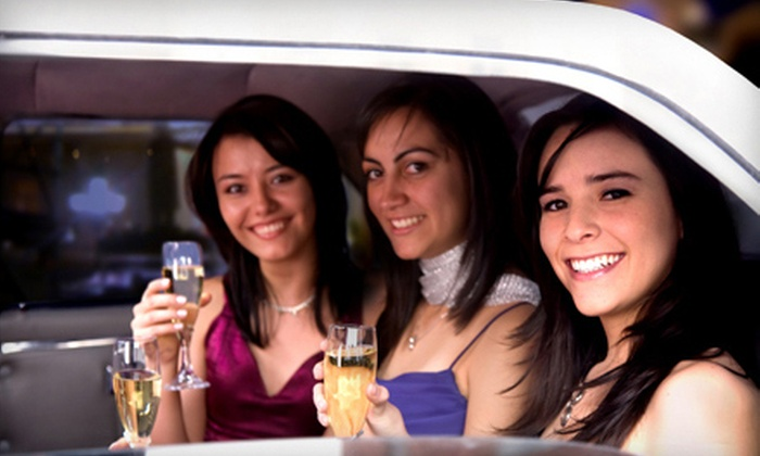Lee's Limousine - Rosedale Center: $69 for a Midwest Winery Tour for One from Lee's Limousine ($149 Value). Eight Dates Available.