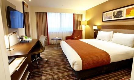London: 4* Double Room Stay with Breakfast
