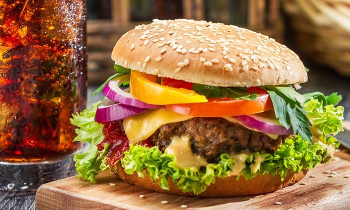 Jameson Pub - Jameson Pub: Irish Cheddar Burger für Zwei mit Wedges oder Pommes im Jameson Pub in der Friesenstraße für 10,70 € (50% sparen*)