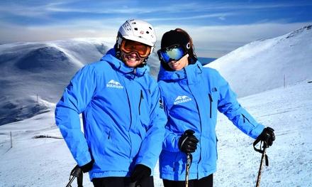 1, 2 o 3 días de clases de ski o snowboard de 2, 4 o 6 horas para hasta 4 personas desde 49 € en Sota Zero
