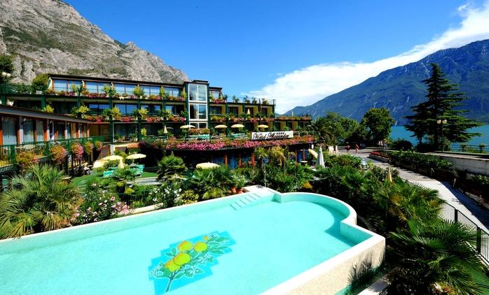 Limone sul Garda: fino a 3 notti per 2 persone con mezza pensione e Spa all'Hotel Alexander Wellness & Spa 4*L
