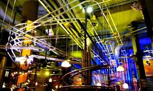 Achterbahnrestaurant SCHWERELOS: Wertgutschein über 15 € anrechenbar auf alle Speisen und Getränke für zwei Personen im Achterbahnrestaurant Schwerelos