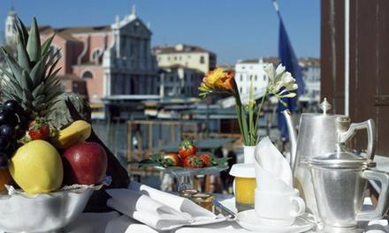 Venezia 4*: pernottamento con colazione o mezza pensione Hotel Carlton Venice 4*