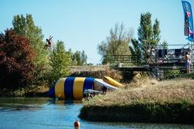 eXtrem Ride Park: Pass extrem park/water jump, blob jump, stand up paddle ou flyboard pour 2, 3 ou 4 dès 10 € au parc eXtrem Ride Park