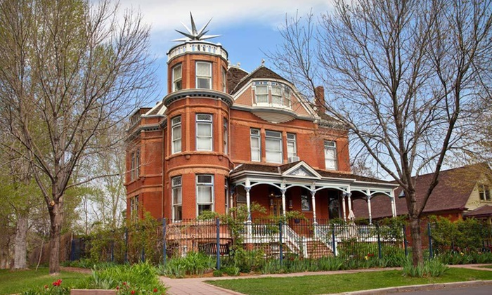 Lumber Baron Inn & Gardens - Denver: $99 for a One-Night Stay in Valentine or Anniversary Suite at Lumber Baron Inn & Gardens in Denver (Up to $199 Value)