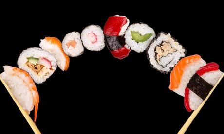 Menú para 2 o 4 con entrante, bandeja de sushi, postre, botella de vino o bebida y opción a sake desde 24,90 € en Isami