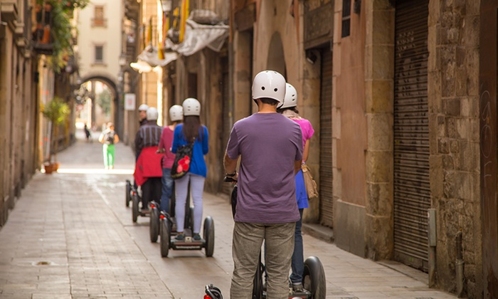 Ninebot Tours - Roma: Tour di Roma in segway by day e by night per 2 o 4 persone con Ninebot Tours (sconto fino a 82%)