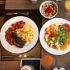 Frühstücks-Buffet mit Getränken