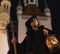 2 Std. Nachtwächter-Tour durch München für 1, 2 oder 4 Personen mit Weis(s)er Stadtvogel (bis zu 55% sparen*)