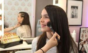The Beauty Bar: Beauty-arrangement voor kids met modelföhnen/invlechten, nagels lakken en een cocktail bij The Beauty Bar in Brussel