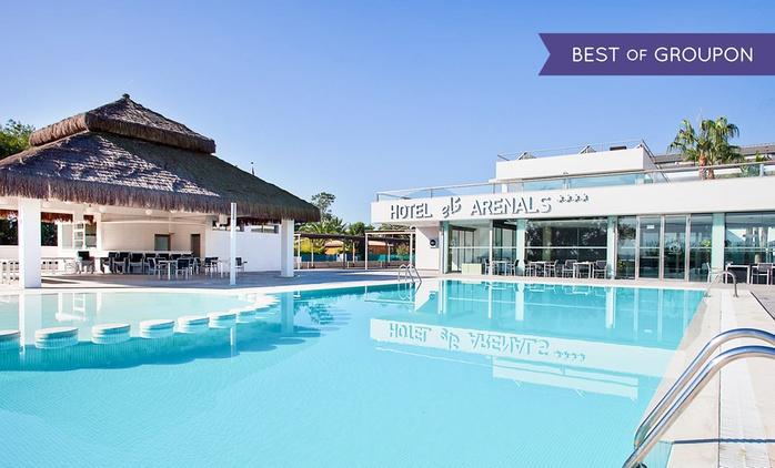 Valencia: 1, 2, 3, 5 o 7 noches para 2 con desayuno y detalle en Hotel Els Arenals 4*