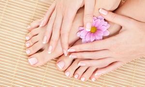 Studio 17: Klassische Pediküre mit Fuß-Massage, optional mit Maniküre, im Studio 17 (bis zu 61% sparen*)